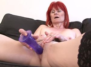 Mature Gal Bi-racial Xxx Cootchie..