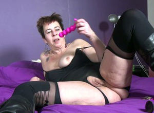 Insane messy mature tramp with greedy..