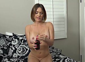 Scorching mommy flashes knockers and..