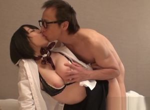 Unbelievable Chinese AV Model gives a..